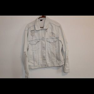 Light denim supposed to ripped jacket